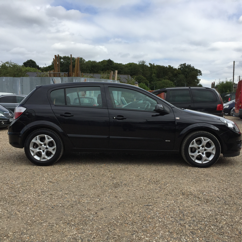 ** FOR SALE Vauxhall Astra 1.7 CDTi SXi Diesel. Black